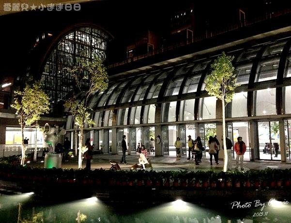 201311信義線大安森林公園站內014.jpg
