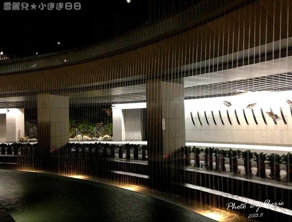 201311信義線大安森林公園站內018.jpg