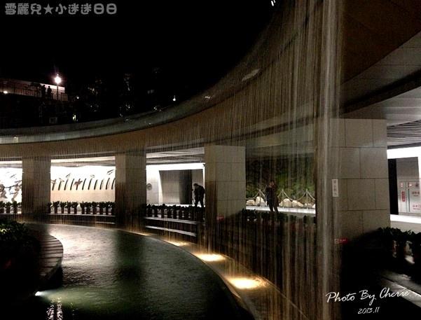 201311信義線大安森林公園站內019.jpg