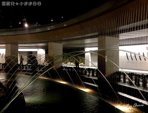 201311信義線大安森林公園站內020.jpg