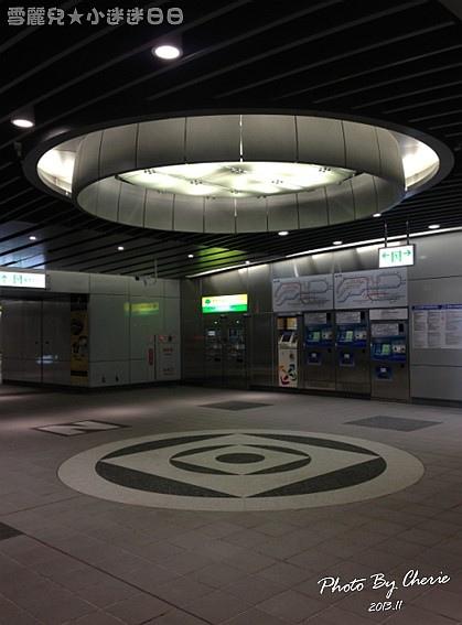 201311信義線大安森林公園站內029.jpg
