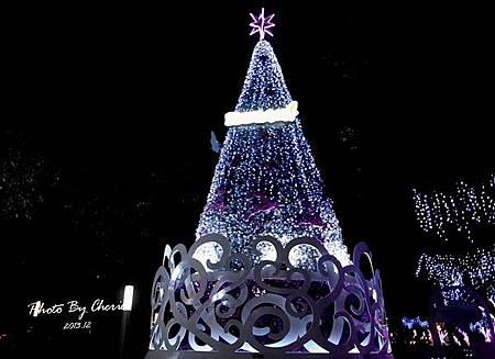 2013聖誕樹中國信託001.jpg