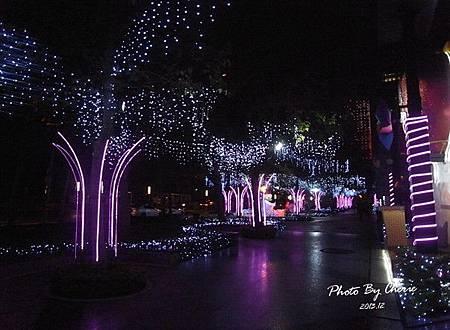 2013聖誕樹中國信託005.jpg