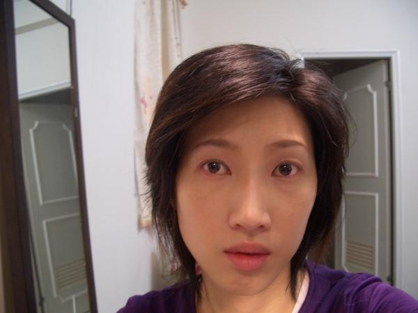 大致完妝,只差睫毛跟腮紅.JPG