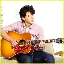 Nick Jonas: I Love Mom's Christmas Dinner