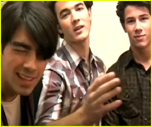 ◆Jonas Brothers: Happy Jonas New Year!