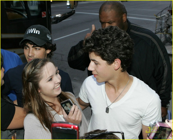 jonas-brothers-camp-rock-2-commences-02.jpg