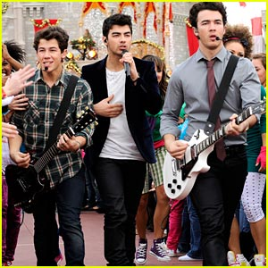 jonas-brothers-summertime-anthem.jpg