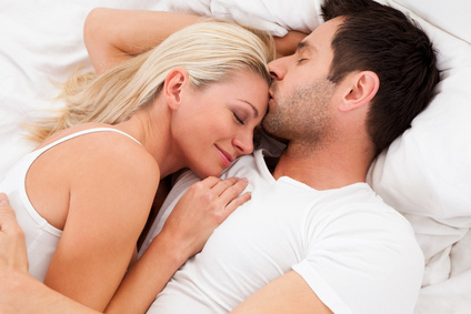loving-couplein-bed