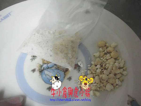 冰糖燉梨子 (3).JPG