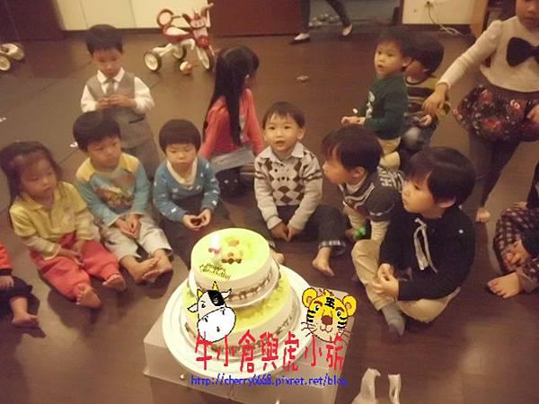 切蛋糕 (3).JPG