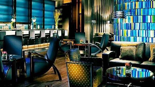 blue bar香港四季酒店.jpeg