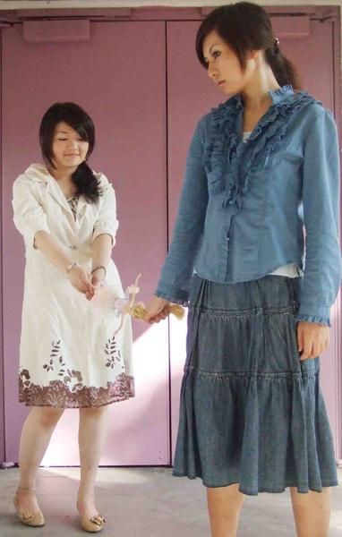 2008%2F9台北藝穗節創作舞台劇 %3C;芭比娃娃加工廠%3E 擔任編.導.演1