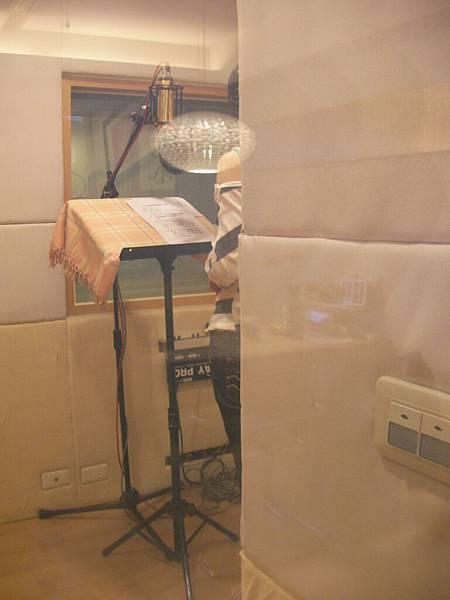 20100212錄音室窗外Be的偷拍.JPG