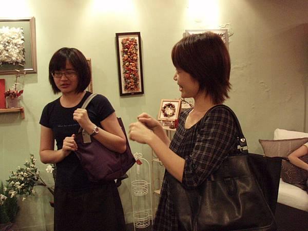 6.20100524劇本表演班一第4堂~女子公寓相親篇.JPG