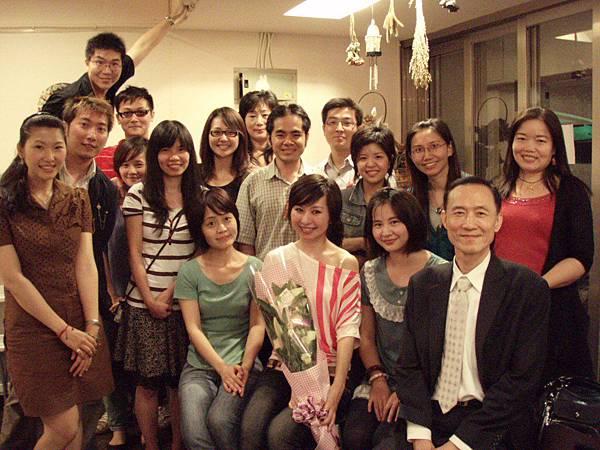 20100621六二一演出日22~圓滿結束的合照.JPG