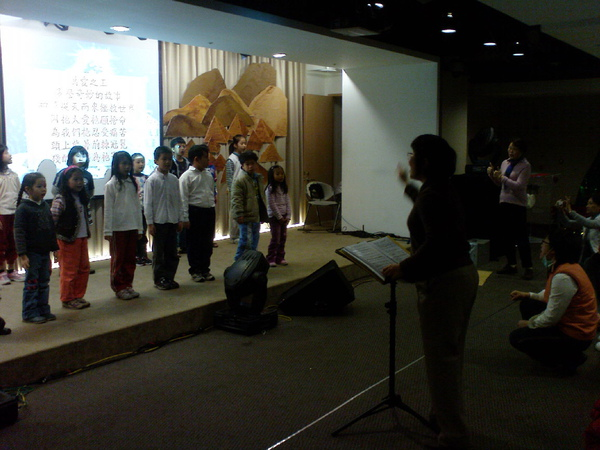合唱老師二.JPG