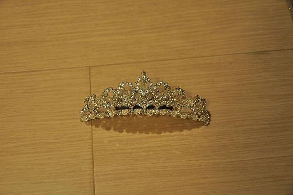 拍照用皇冠(全新購入,使用過一次,售130元,運費60元)
