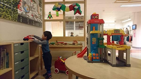 牙醫診所裡的兒童遊戲區