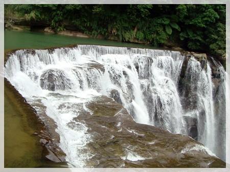素有台灣尼加拉瓜瀑布之稱的十分瀑布