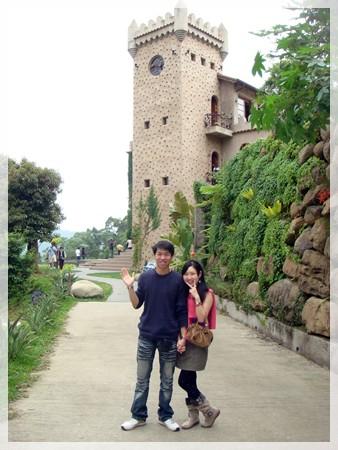 後面的城堡像不像在歐洲?