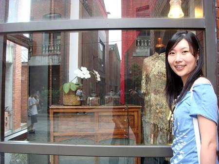 櫥窗裡面好漂亮的旗袍