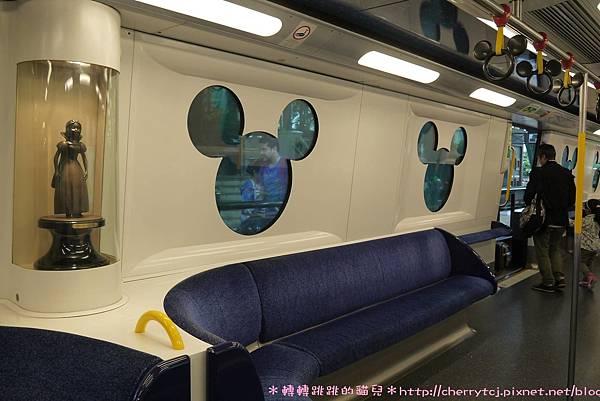 香港迪士尼Day1-迪士尼線的地鐵車廂