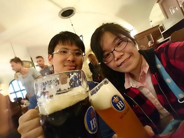 搶先體驗啤酒節氛圍!!