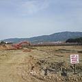 第二晚入住庫莎達西的旅館,路旁看到大片的開發工地,據說市鎮的大量開發、房子一直蓋、房價的高漲也是土耳其現在面臨的問題。但市政建設好像沒跟上豪宅的闢建。
