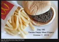 戴維斯紀錄下的麥當勞兒童餐,到了180天仍未有腐爛。.jpg