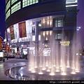 三多商圈水舞夜景.jpg