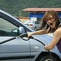 賣力的洗車1
