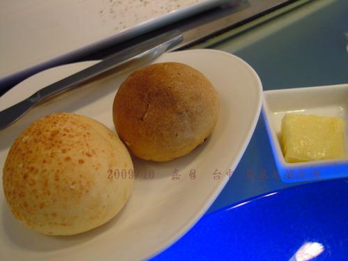 DSC03672-台中夏慕尼鐵板燒 麵包.jpg