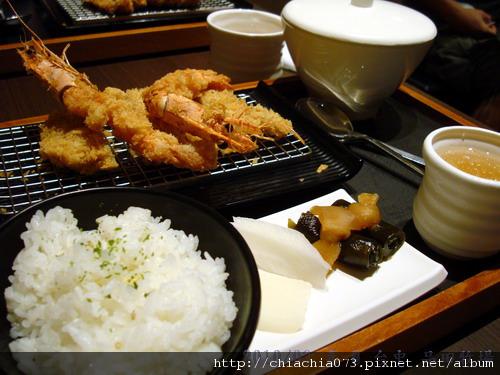 台中 品田牧場 炸蝦和菲力套餐.jpg