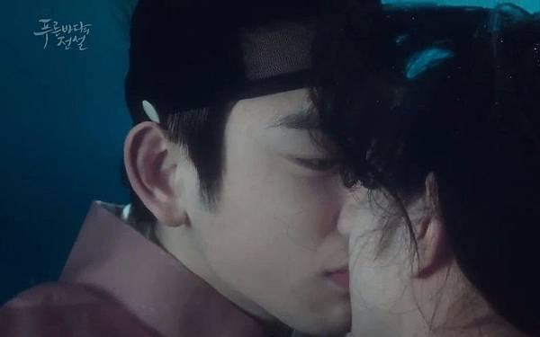 JY KISS.jpg