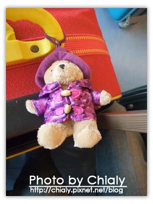 小熊也陪我們出國囉!