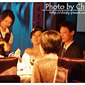 新娘看得出來很緊張:P