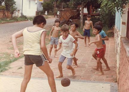 南美洲的足球,不強也難。