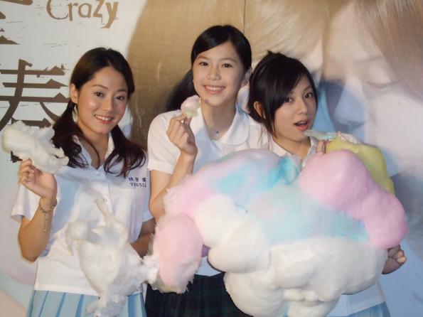 【亂青春】電影首映會 棉花糖同樂會 眾美女學生相挺導演 -1.jpg