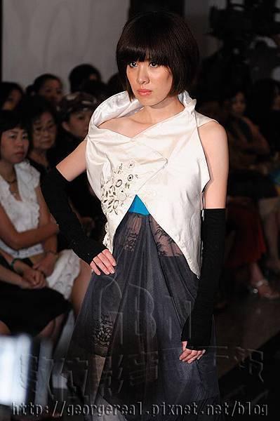 許艷玲 2009戰後風華服裝秀【載自:GBN數位影音電子報】