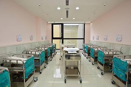 月子中心嬰兒室