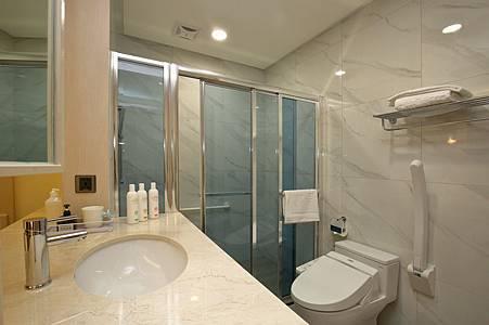 伊夏房間廁所