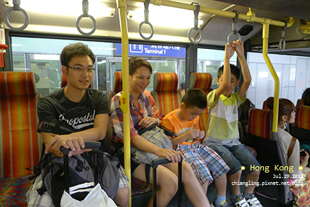 20110729_搭S1巴士前往東涌站_101724_lx5.jpg
