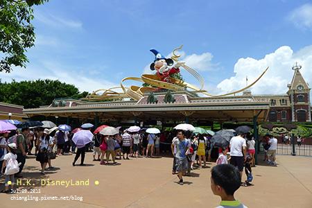 20110729_迪士尼入口處的檢查_120404_lx5.jpg