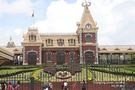 20110729_香港Disney_入口處的檢查_120406_canon500D.jpg