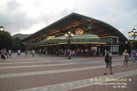 20110729_香港Disney_車站_184458_canon500D.jpg