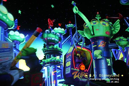 20110729_香港Disney_明日世界_巴斯光年星際歷險_144823_canon500D.jpg
