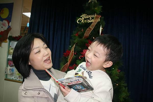 2009_1218_181842聖誕晚會