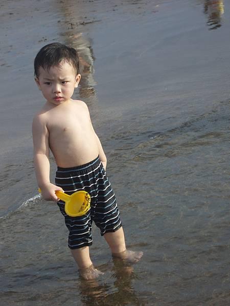 2008_0706_173137北海岸玩水