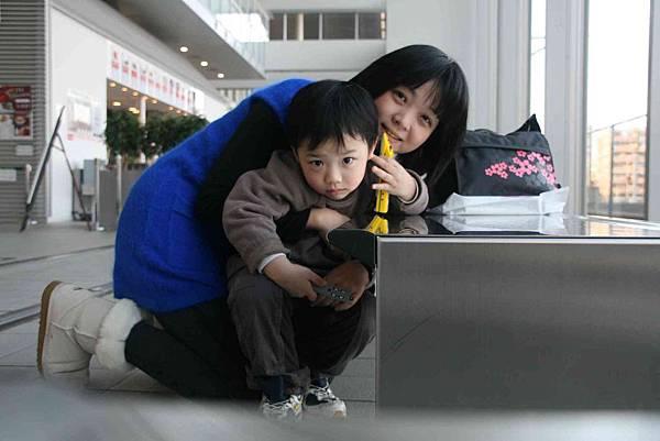 2010_0118_150626掌鏡人永遠是媽咪的情況下,只能求自拍了.jpg